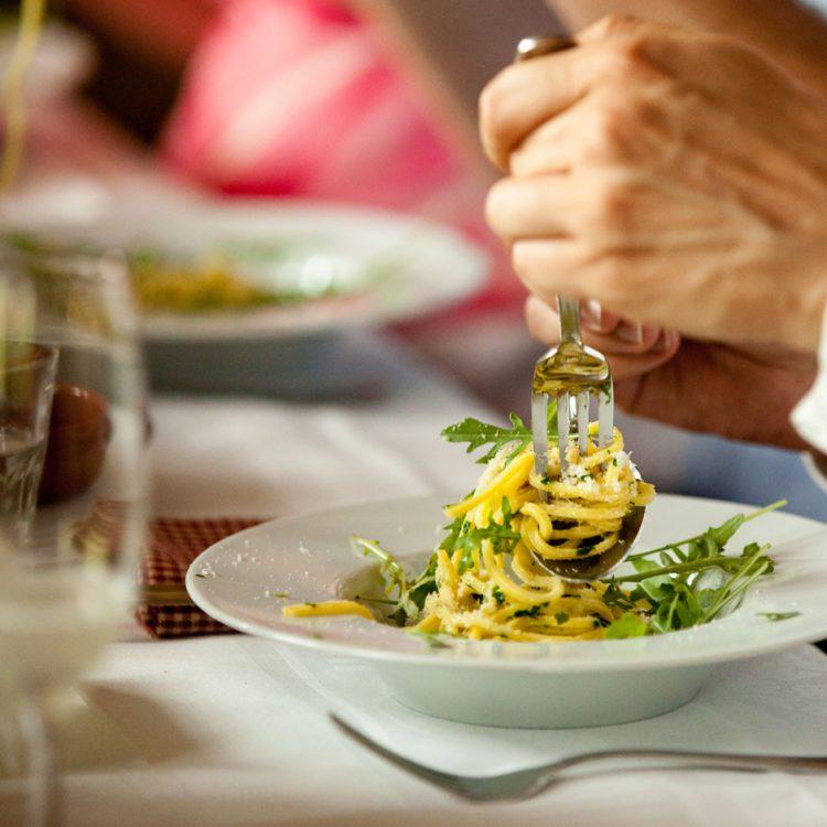 kookkunsten-mediterrane-catering-arnhem-sfeer-diner