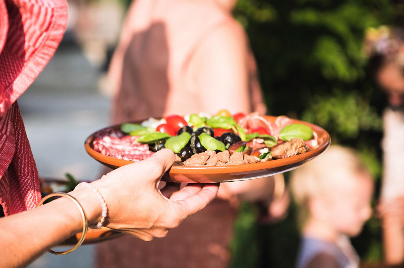 kookkunsten-mediterrane-catering-arnhem-antipasti-geserveerd