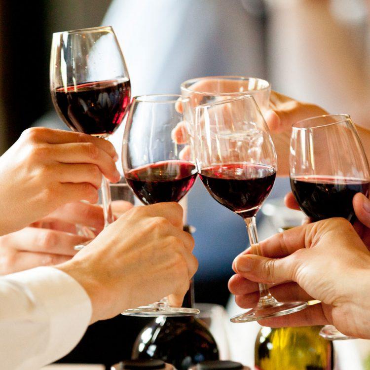 kookkunsten-mediterrane-catering-arnhem-sfeer-wijn